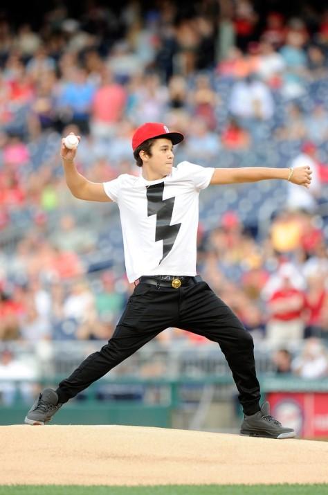 Austin+Mahone+Milwaukee+Brewers+v+Washington+WId7E0xN23ix